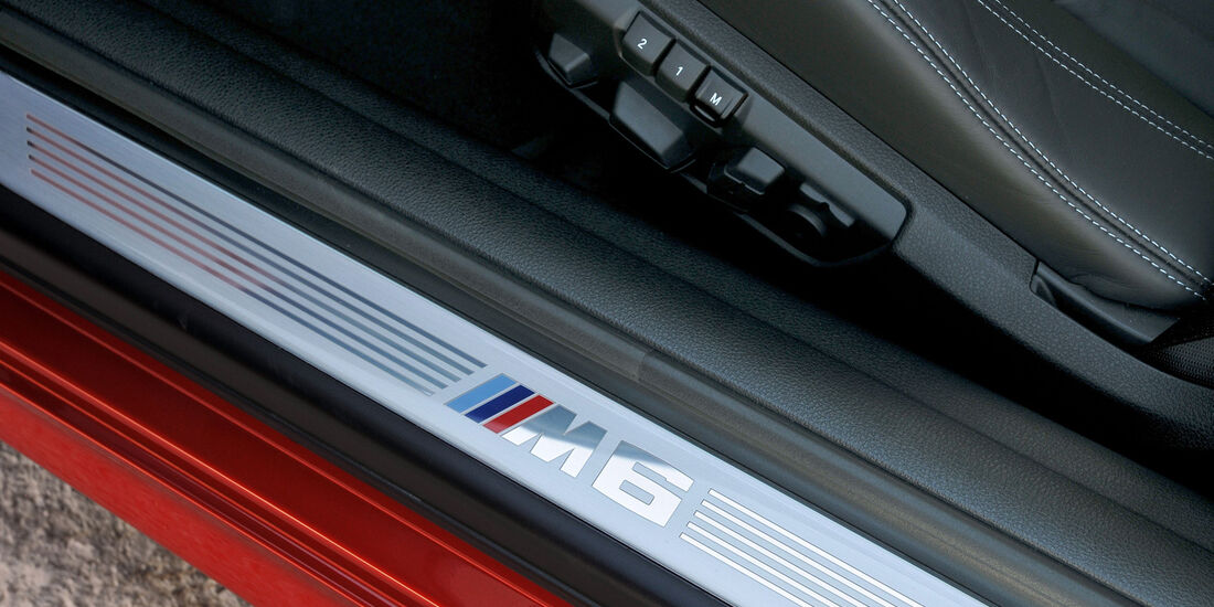 BMW M6, Fußleiste