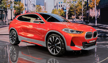 bmw concept x2 in paris ausblick auf das bmw suv coup auto motor und sport. Black Bedroom Furniture Sets. Home Design Ideas