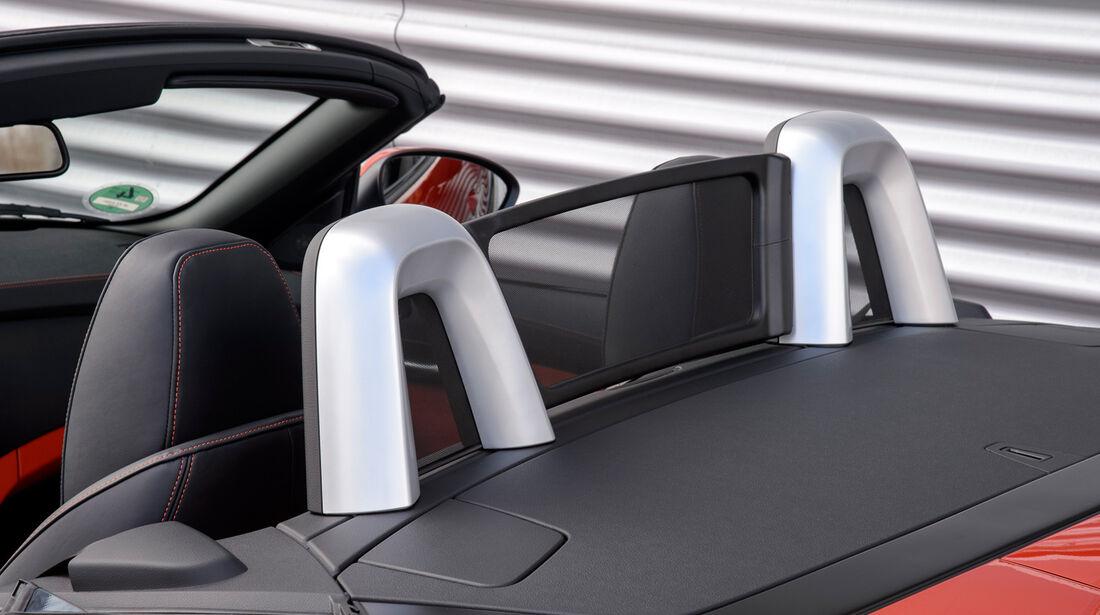 BMW Z4 s-Drive 35is, Windschott, Kopfstütze