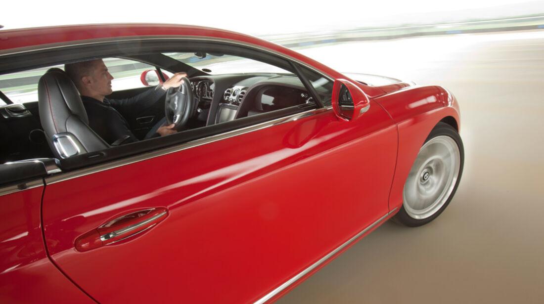 Bentley Continental GT, Kurvenfahrt