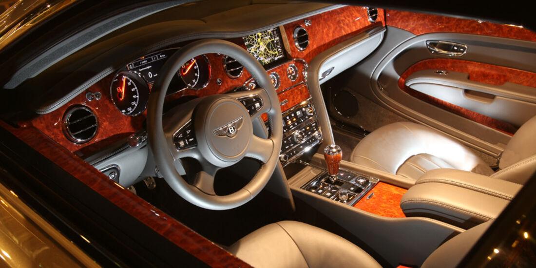 Bentley Mulsanne, Detail, Cockpit, von aussen, bei Nacht