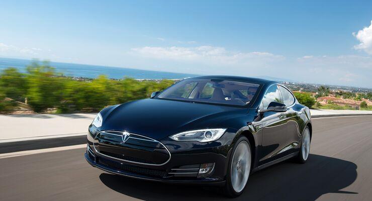 Bereits drei Tesla-Modelle fingen nach einem Unfall Feuer.