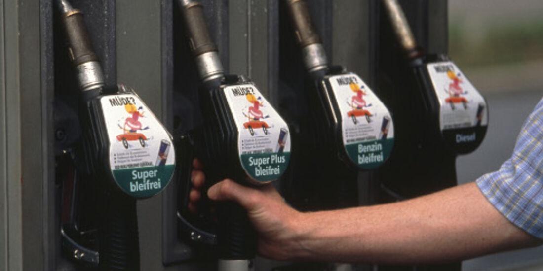 Billig-Tankstellen für die Autobahn