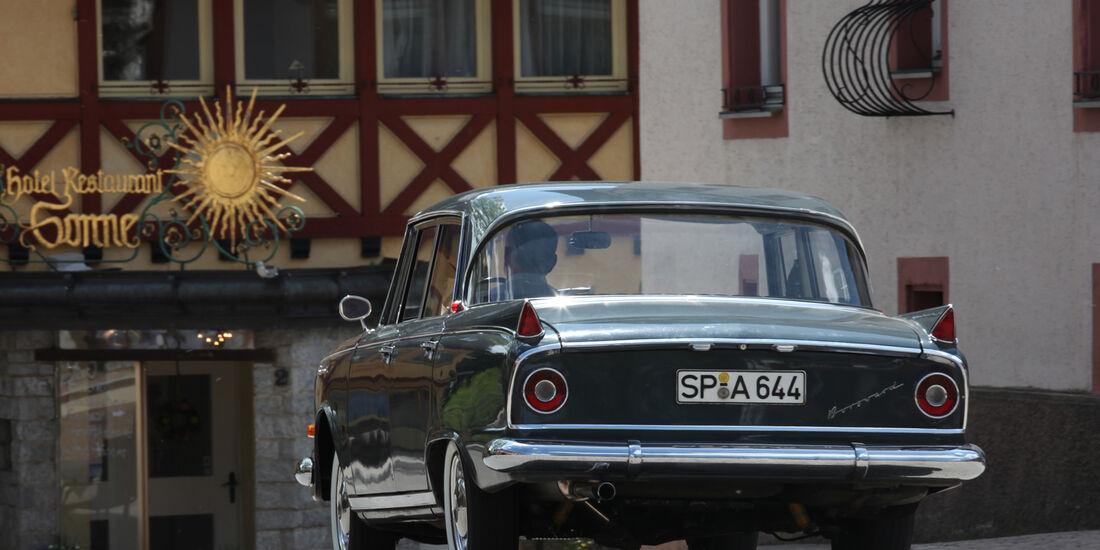 Borgward 2,3 Liter, Heckansicht