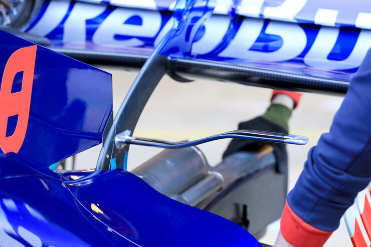 [Imagen: Brendon-Hartley-Toro-Rosso-F1-Test-Barce...151264.jpg]