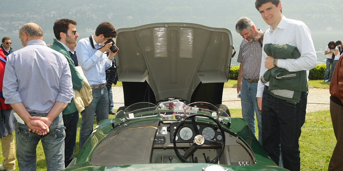 Brilliantes Finish in und am Jaguar C-Type (1952) bei der Villa Erba Villa d'Este 2010.