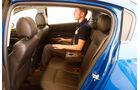 Chevrolet Cruze 2.0 LTZ, Rückbank, Beinfreiheit