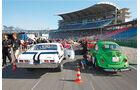 Chevy Nova und VW Käfer bei den Nitrolympix Hockenheim