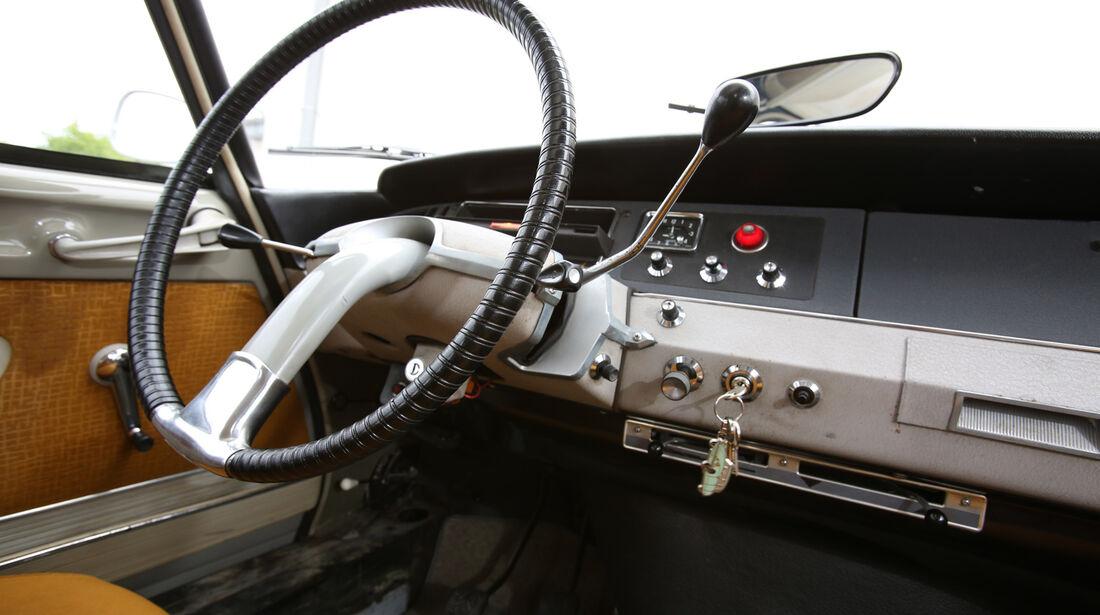Citroën DS, Lenkrad, Cockpit