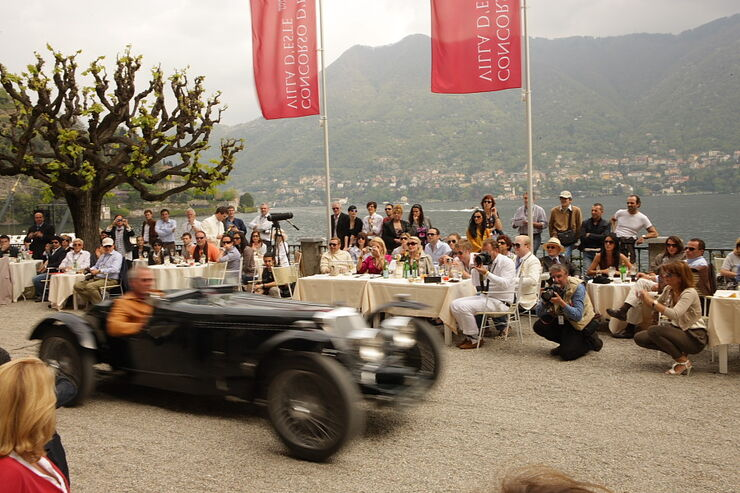 Concorso d Eleganza Villa d Este 2010, Fahrzeug-Präsentation am Ufer des Comer-Sees.