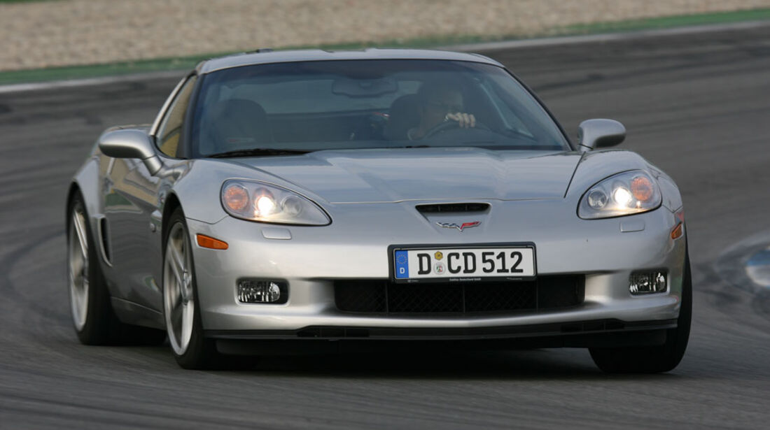 Corvette Z06 – Dodge Viper SRT-10 06