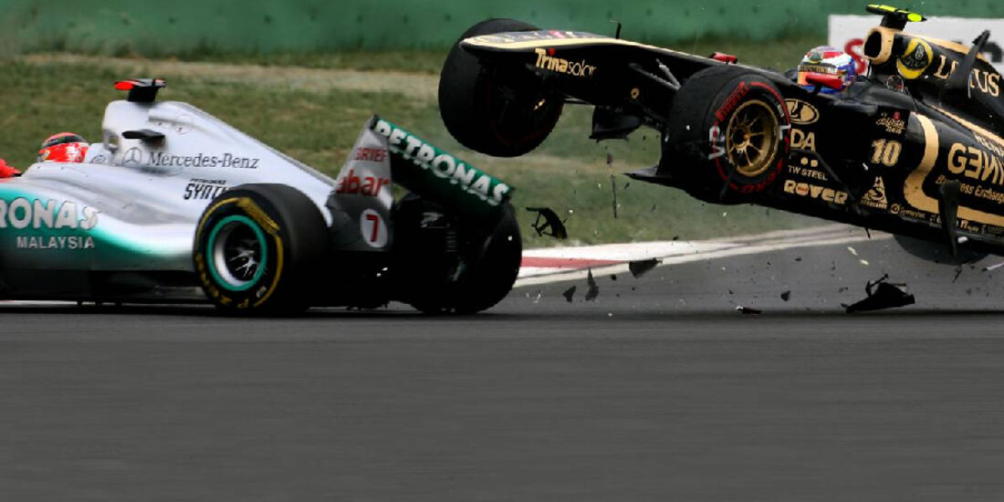 Crash Michael Schumacher Vitaly Petrov - Formel 1 - GP Korea - 16. Oktober 2011