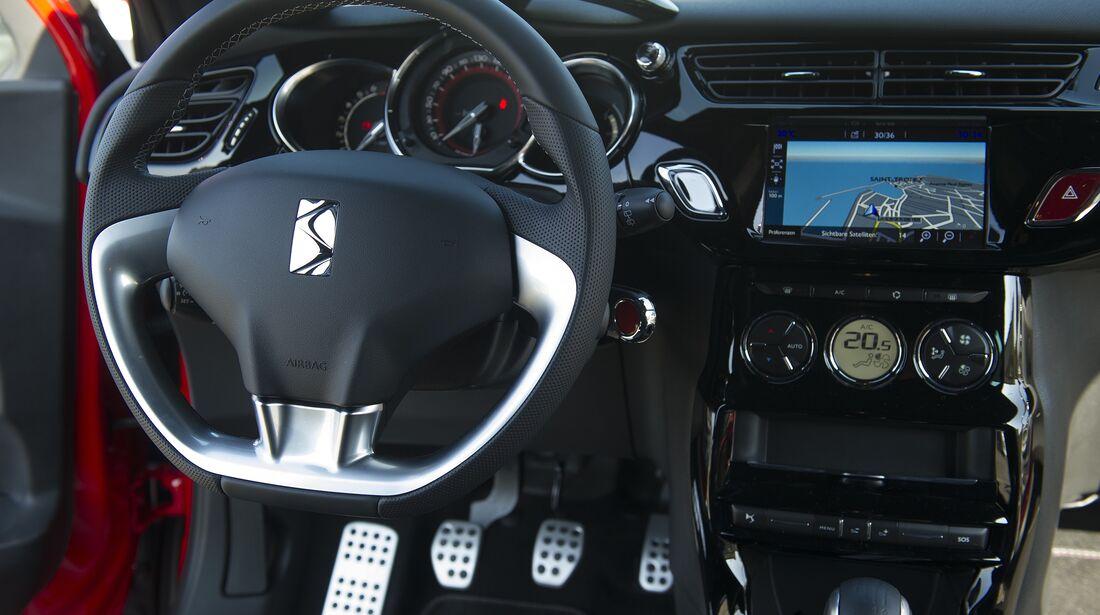 DS3 Performance Innenraum vorne ohne Fahrer