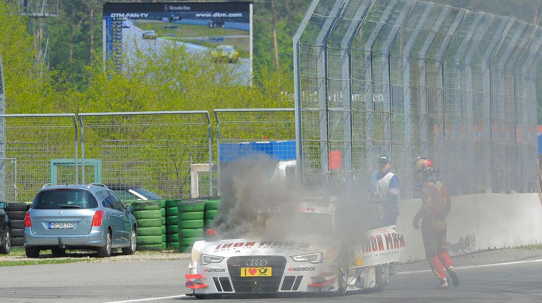 DTM Start Hockenheim Tambay feuer