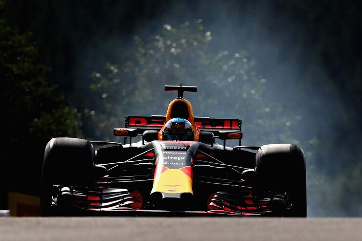 https://imgr2.auto-motor-und-sport.de/Daniel-Ricciardo-Red-Bull-GP-Belgien-Spa-Francorchamps-Formel-1-25-August-2017-fotoshowBig-58fd9753-1113445.jpg