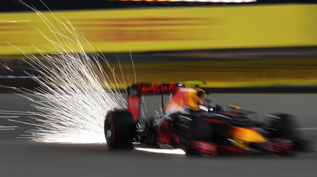 Daniil Kvyat - Red Bull - Formel 1 - GP Bahrain - 2. April 2016
