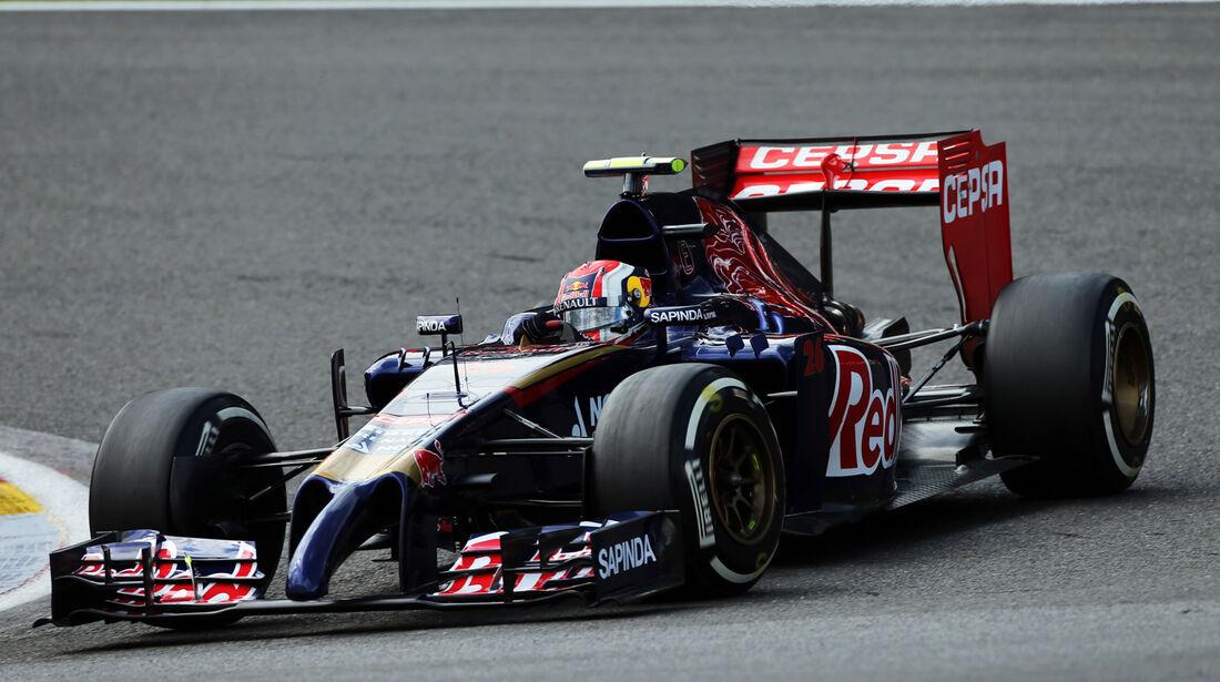 Daniil Kvyat - Toro Rosso - Formel 1 - GP Belgien - Spa-Francorchamps - 23. November 2014