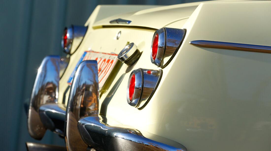 Datsun 1600 Sports, Heck, Heckleuchten