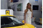 Detroit Motor Show 2011 Girls