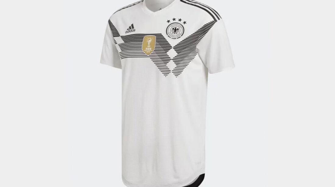 Deutschland - F1-Autos - Fußball-WM 2018