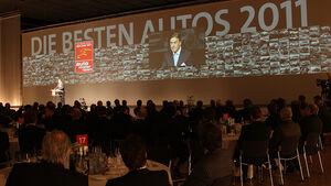 Die besten Autos 2011 Preisverleihung mit Verlagsleiter Dr. Friedrich Wehrle