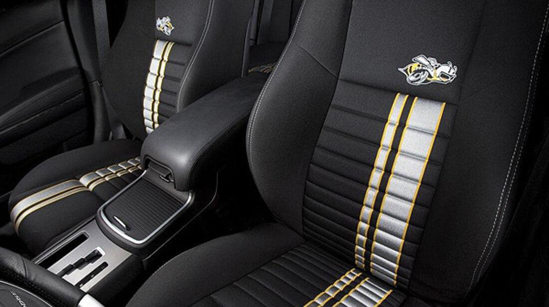 Dodge Charger SRT8 Super Bee, Inneraum, Sitze