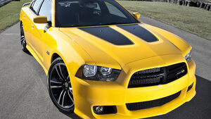 Dodge Charger SRT8 Super Bee