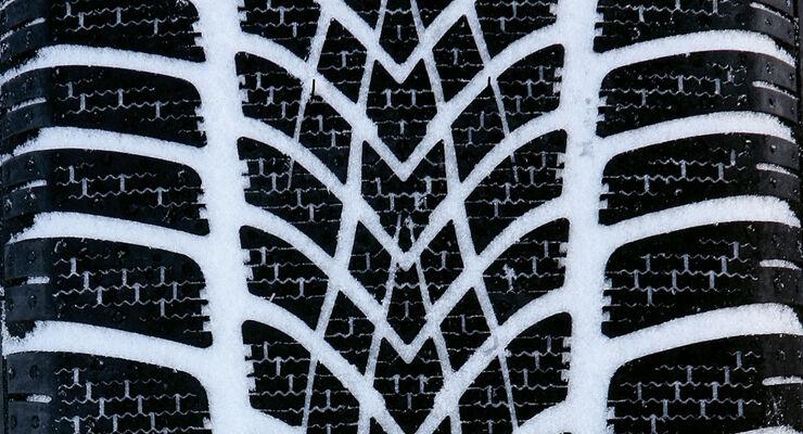 winterreifentest der gr e 225 45 17 winterreifen. Black Bedroom Furniture Sets. Home Design Ideas