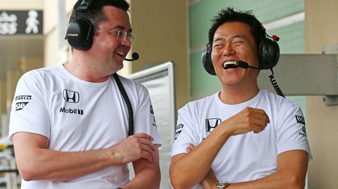 Eric Boullier & Yasuhisa Arai - McLaren-Honda - Formel 1 Test - Abu Dhabi - 25. November 2014