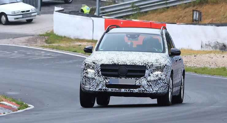 Mercedes Glb Preis >> Erlkönig Mercedes GLB (X247) 2019: Fotos, Preis, Marktstart - auto motor und sport