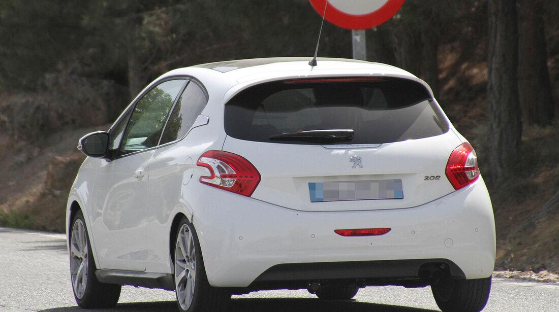 Erlkönig Peugeot 208 GTI