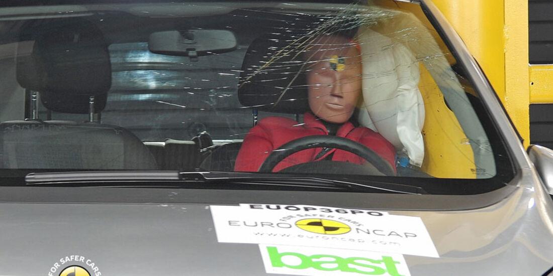 EuroNCAP-Crashtest, Opel Meriva, Pfahl-Crashtest