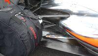 F1-Technik 2011 - Auspuff McLaren