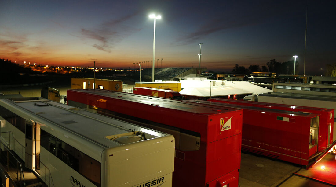 Fahrerlager F1 Test Jerez 2013 Highlights