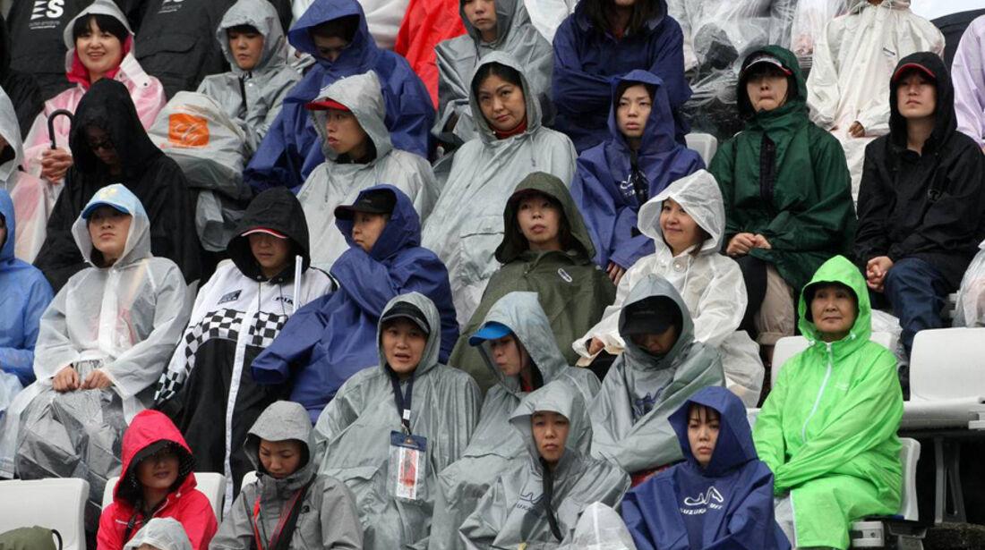 Fans in Suzuka