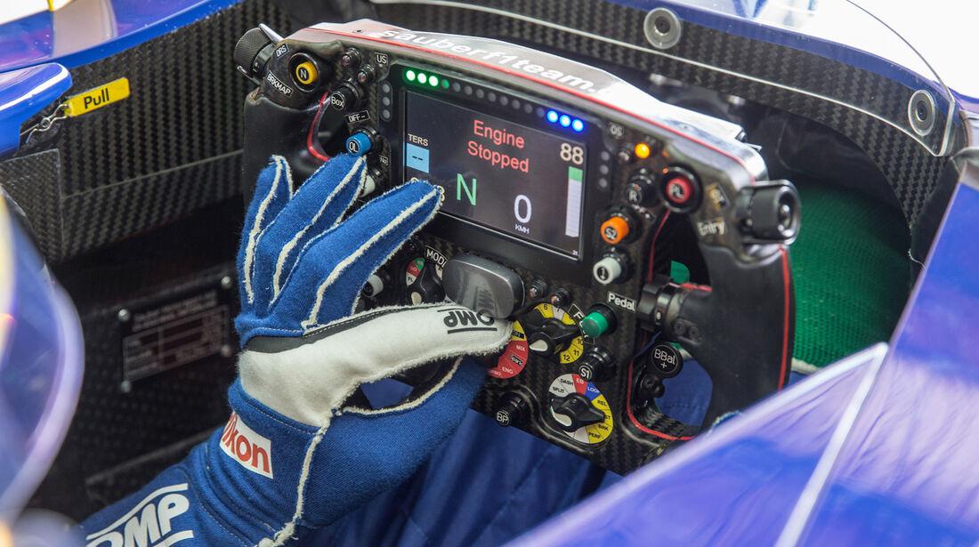 Felipe Nasr - F1-Test Barcelona - 2015
