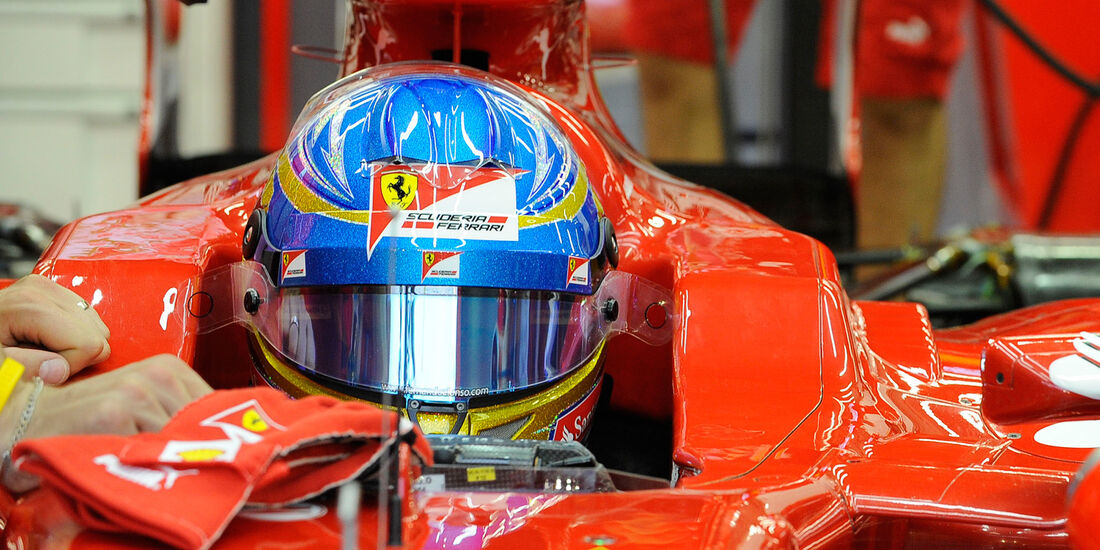 Fernando Alonso Helm Singapur 2012