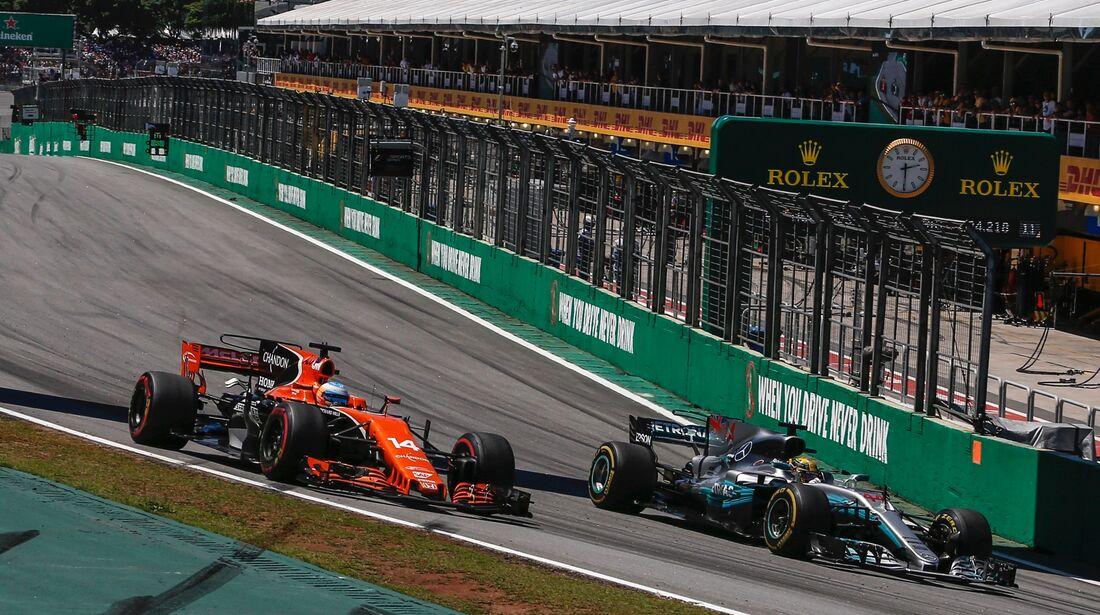 Fernando Alonso - Lewis Hamilton - Formel 1 - GP Brasilien - 12. November 2017