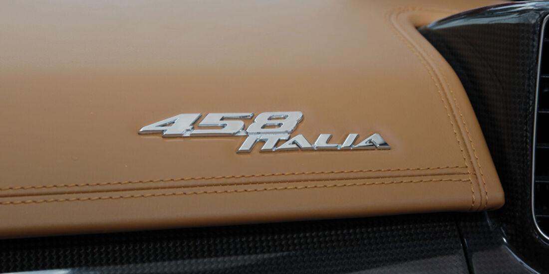 Ferrari 458 Italia 458-Italia-Schriftzug