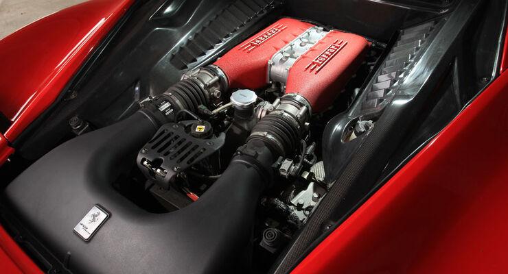 Ferrari 458 Italia, Motor, V8