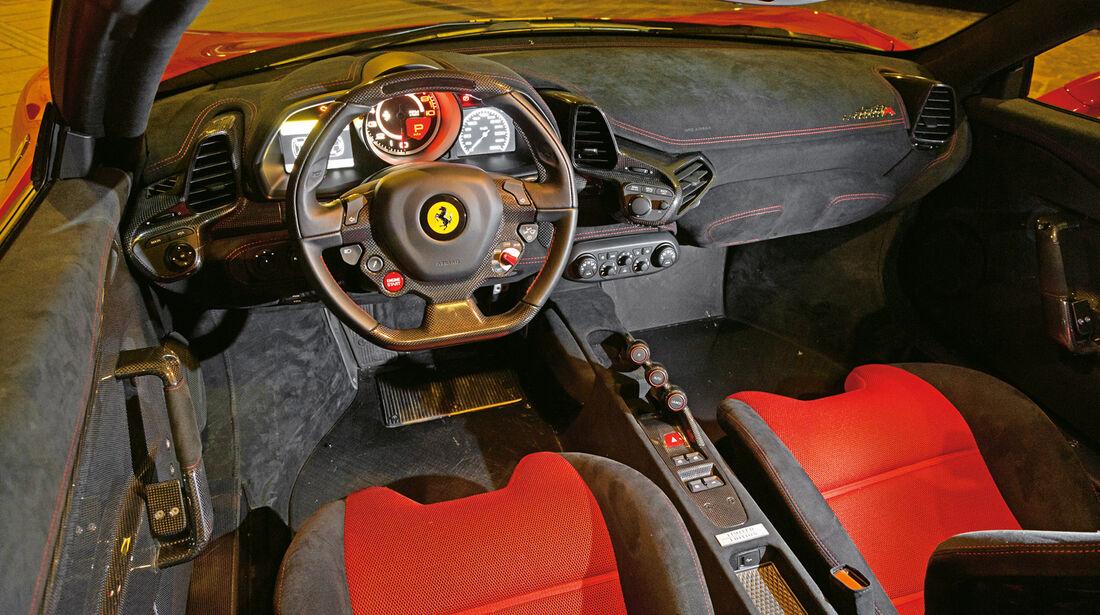 Ferrari 458 Speciale A, Cockpit