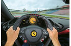 Ferrari 488 GTB, Lenkrad, Fahrersicht
