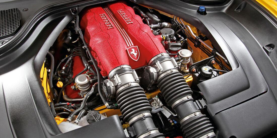 Ferrari California, Motor, Achtzylinder