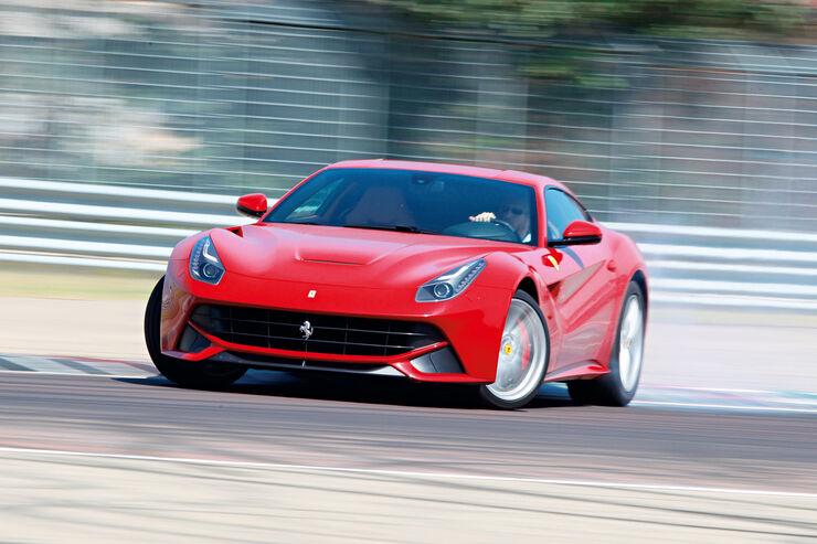 Ferrari F12 Berlinetta, Seitenansicht, Driften