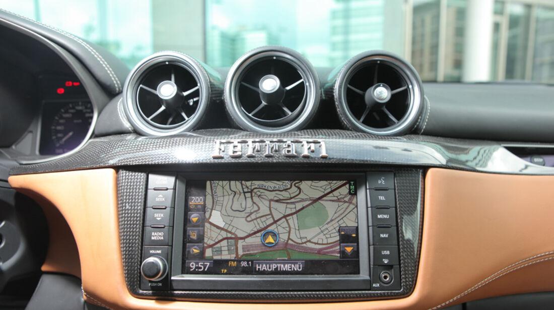Ferrari FF, Navigation