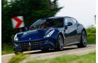Ferrari FF, Seitenansicht, Kurvenfahrt