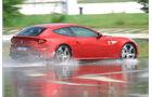 Ferrari FF, Seitenansicht, Wasserstraße