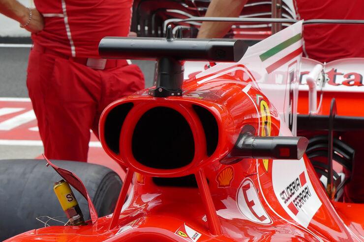 https://imgr2.auto-motor-und-sport.de/Ferrari-Formel-1-GP-Malaysia-Sepang-28-September-2017-fotoshowBig-97f06fae-1121749.jpg