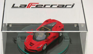 Ferrari LaFerrari Spider Modellauto