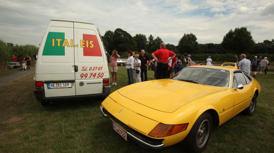 Ferrari und italienisches Eis.